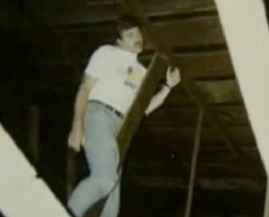 Jeff Wheatcraft being hanged in San Pedro, 1989.